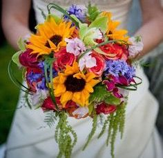 Bouquets with a variety of color option