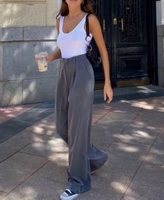Looks Street Style, Looks Style, Mode Outfits, Fashion Outfits, Womens Fashion, Vest Outfits, Mode Hipster, Mode Ootd, Elegantes Outfit