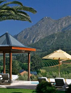 Incredible views of Franschhoek Valley in South Africa New Travel, Luxury Travel, Beautiful Sites, Beautiful Places, Places Around The World, Around The Worlds, South African Homes, Cape Verde, The Good Place