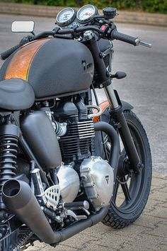 "Triumph ""Bonny Black Row"" by Dino Romano"