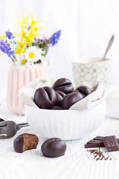 coffee chocolates - It smells delicious again! Christmas is coming and we start baking. We have collected some nice coo - Chocolate Sweets, Chocolate Coffee, Best Cookie Recipes, Cake Recipes, Winter Desserts, Just Bake, Christmas Is Coming, Coffee Recipes, No Bake Desserts