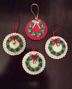 Result pictures for Christmas feltchristmas felt - These would be cute to make for Chreistmas cards, a Christmas village, etc./Christmas_Wreath_Felt green with red bowsChristmas Decorations – www.themulberry-b…DIY Santa Claus Sewing Patterns and Felt Christmas Decorations, Felt Christmas Ornaments, Christmas Art, Christmas Projects, Handmade Christmas, Christmas Wreaths, Felt Crafts, Holiday Crafts, Christmas Sewing