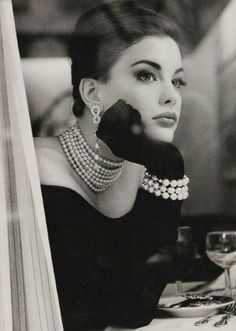 Liv Tyler, who I love....looking like Audrey, whom I adore!