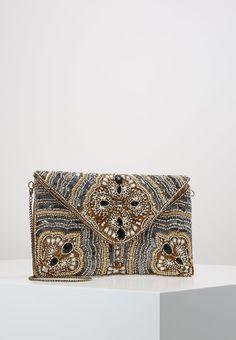 ¡Consigue este tipo de bolso de mano de Glamorous ahora! Haz clic para ver los detalles. Envíos gratis a toda España. Glamorous Clutch multicoloured: Glamorous Clutch multicoloured Complementos   | Complementos ¡Haz tu pedido   y disfruta de gastos de enví-o gratuitos! (bolso de mano, sobre, clutch, clutches, clutchs, handbag, printed clutch, handtasche, bolsa de mano, sac à main, borsetta da mano, mano)
