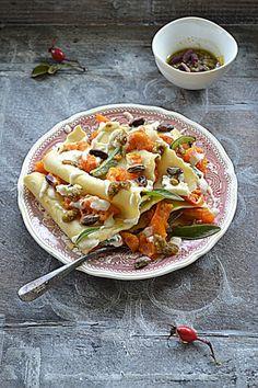 Lazania z dynią, gorgonzolą i pistacjowym pesto