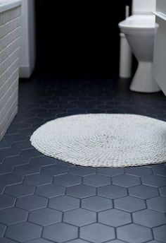 Hexagonal tiles bathroom: