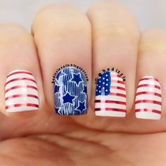 The nail designs for short nails are simple, very practical, safe and durable. Check our photo gallery with the best nail designs for short nails that are easy to make. Flag Nails, Patriotic Nails, Fancy Nails, Cute Nails, Pretty Nails, Short Nail Designs, Cute Nail Designs, 4th Of July Nails, Fourth Of July