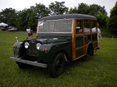 Land Rover woodie