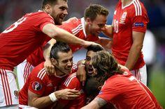 Rusya : 0 - 3 : Galler ...!   Sportmen Tv