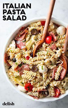 This Loaded Italian Pasta Salad Is Better Than Any Mayo Drenched Pasta SaladDelish Easy Pasta Salad Recipe, Pasta Recipes, Dinner Recipes, Cooking Recipes, Tortellini, Orzo, Cold Pasta Dishes, Oxtail Recipes, Pasta Salad Italian