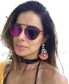 A apresentadora @veraviel já está desfilando com uma das novas cores do #Dior #SoReal  #oticaswanny