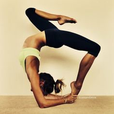 Good morning Monday!! Shoulder and back stretch to get the week started...let's do this!! #morning #yoga #fitness