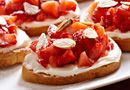 Strawberry Bruschetta - The Pampered Chef®  Recipe & Specials: www.facebook.com/meltpc Purchase products: www.pamperedchef.biz/melissaguinn