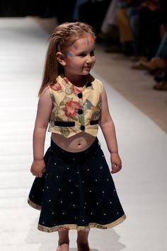 """Desfile """"D.I.Va"""" Diseño Independiente de Valdivia 2012 y su apuesta por la apertura del diseño local Diva, Aperture"""