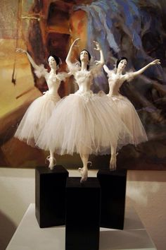 Best 12 A ballerina sculpture. Made with papier-mâc… Best 12 A ballerina sculpture. Made with papier-mâché but could be tried with powertex. Ooak Dolls, Barbie Dolls, Art Dolls, Ballet Poses, Ballet Art, Dancing Dolls, My Doll House, Ballerina Doll, Ceramic Animals
