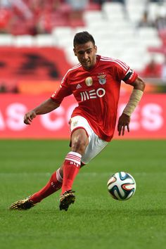 Salvio of SL Benfica controls the ball during the Eusebio Cup match between SL Benfica and Ajax at Estadio da Luz on July 26, 2014 in Lisbon, Portugal.