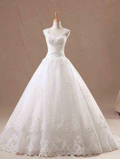 ウェディングドレス プリンセス ストラップ スウィープトレーン 裾に繊細なレース 挙式 ブライダル 結婚式 B14TB0002 価格 ¥52,744