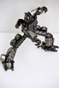 METAL SCULPTURE  Big Robot small type B  Model Recycled