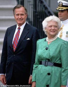 President George H.W. Bush and his first lady Barbara Bush at the White House in 1989