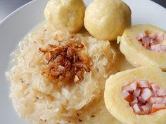 Bramborové knedlíky plněné uzeným masem, zelí Potato Salad, Grains, Rice, Potatoes, Ethnic Recipes, Food, Potato, Essen, Meals