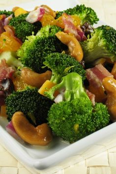 Broccoli with Garlic Butter and Cashews #Chinese #Recipe - 10 Minute Prep Time!