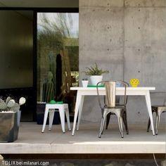 Die Stahlblechstühle Von TOLIX Lassen Sich Auch Prima Als Sitzgelegenheit  Für Den überdachten Außenbereich Verwenden. Das Wunderbare Design  Kombiniert Mit ...