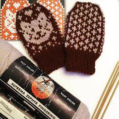 Mittens for Kittens Baby Mittens, Knit Mittens, Darning, Baby Knitting, Ravelry, Knitting Patterns, Knit Crochet, Kittens, Gloves