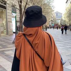 Street Hijab Fashion, Muslim Fashion, Modest Fashion, Girl Fashion, Fashion Outfits, Cute Muslim Couples, Muslim Girls, Hijabi Girl, Girl Hijab