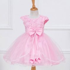 Dívčí družičkové růžové šatičky