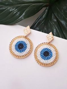 ARETE OJO TURCO Seed Bead Jewelry, Bead Jewellery, Seed Bead Earrings, Beaded Earrings, Beaded Jewelry, Crochet Earrings, Bead Embroidery Jewelry, Beaded Embroidery, Brooches Handmade