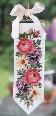 róże na szarfie