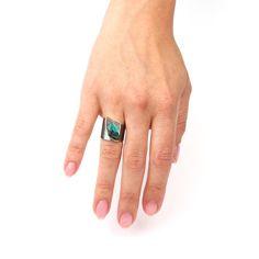 Brede ring met Boulderopaal Ontwerp Atelier Jan Kerkstra | Marion Pannekoek