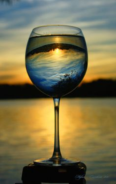 beautiful landscapes thru wine glasses… Glass Photography, Creative Photography, Beach Photography, Amazing Photography, Photography Tips, Landscape Photography, Nature Photography, Photography Courses, Photography Backdrops