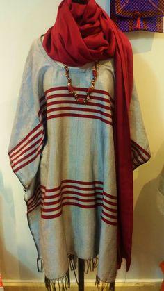 Robe   Boutique Loubess : 10, Rue Beauvau 13001 Marseille Marseille – Afrique – Art – Robe – African – Artisanat – Dress - Créateurs - Mode – Fashion - Pancho-Echarpe