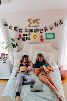 Importance of College Dorm Room Ideas for students. If you need ideas for collage dorm rooms, here are tons of dorm room decor ideas that will give you inspiration! These good dorm room ideas are affordable and perfect for a student budget Dream Rooms, Dream Bedroom, Girls Bedroom, Bedrooms, White Bedroom, My New Room, My Room, Decor Room, Bedroom Decor