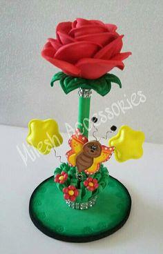 Cd Crafts, Foam Crafts, Flower Crafts, Diy And Crafts, Twine Flowers, Felt Flowers, Bird Silhouette Art, Porcelain Pens, Pen Toppers