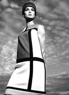 1965    Jean Shrimpton in the 'Mondrian dress by Yves Saint Laurent, photo by Avedon for Harper's Bazaar.