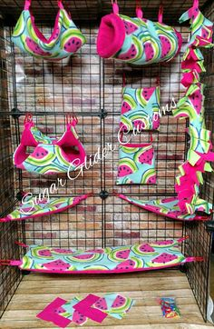 Check out this item in my Etsy shop https://www.etsy.com/listing/534424662/watermelon-13-piece-sugar-glider-cage