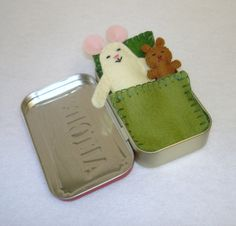 cream Wee Mouse in Altoids Tin House with green bedding by EarthyMamaGoods