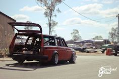 Ohhh Yes! Volvo drift wagon!