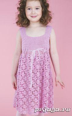 Детское вязаное платье крючком
