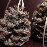 30 Homemade Ornaments for the Kids preschool-craft-ideas