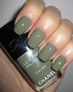 Khaki Vert /Les Khakis de Chanel Nail Collection
