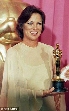 """Louise Fletcher 1975 Best Actress for """"One Flew Over the Cuckoo's Nest """" Gown by Fiandaca Academy Award Winners, Oscar Winners, Academy Awards, Christian Dior Gowns, Louise Fletcher, Janet Gaynor, Best Actress Oscar, Oscar Dresses, Oscar Gowns"""