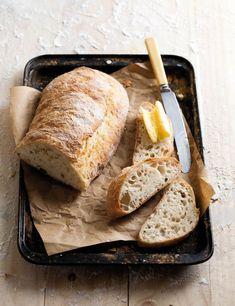 Ciabatta sonder moeite Green List Banting, No Need Bread, Ciabatta Bread Recipe, Bread Recipes, Cooking Recipes, Biltong, Yummy Food, Delicious Recipes, Recipies