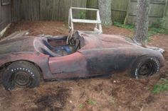 This derelict Devin has seen better days. The current owner has been in possession of the car since 1976 and they claim is was pretty fast back then. With a 283 mounted in a tubular chassis and fiberglass. Rust In Peace, Better Day, Cars, Sports, Projects, Hs Sports, Log Projects, Blue Prints, Autos
