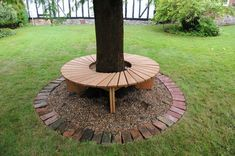Take a look in 16 creative benches around the tree for memorable moments. Take a look in 16 creative Deck Around Trees, Landscaping Around Trees, Front Yard Landscaping, Landscaping Melbourne, Landscaping Ideas, Tree Seat, Tree Bench, Tree Table, Small Garden Design