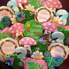 A fairy birthday party! Fairy Birthday Party, Garden Birthday, First Birthday Parties, First Birthdays, Third Birthday, Birthday Ideas, Fairy Garden Cake, Fairy Cakes, Fairy Baby Showers