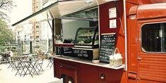 Dans quelques mois, La Recyclerie, un bar-restaurant à équipe tournante, ouvrira porte de Clignancourt. En attendant, sa terrasse accueille déjà divers food-trucks. Citroen HY food truck.