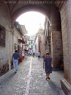 Taxco. http://www.tourbymexico.com/guerrero/taxco/taxco.htm